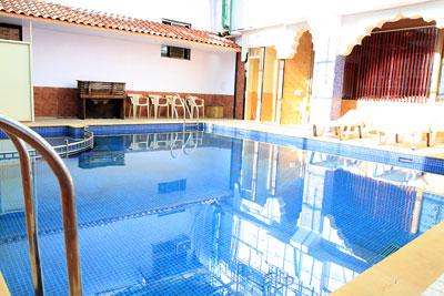 Hotel pratap heritage hotel in mahabaleshwar hotel pratap - Hotels in bath with swimming pool ...